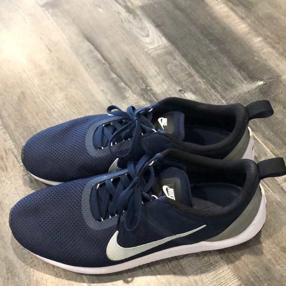 Nike Other - Nike Sneakers, gently used